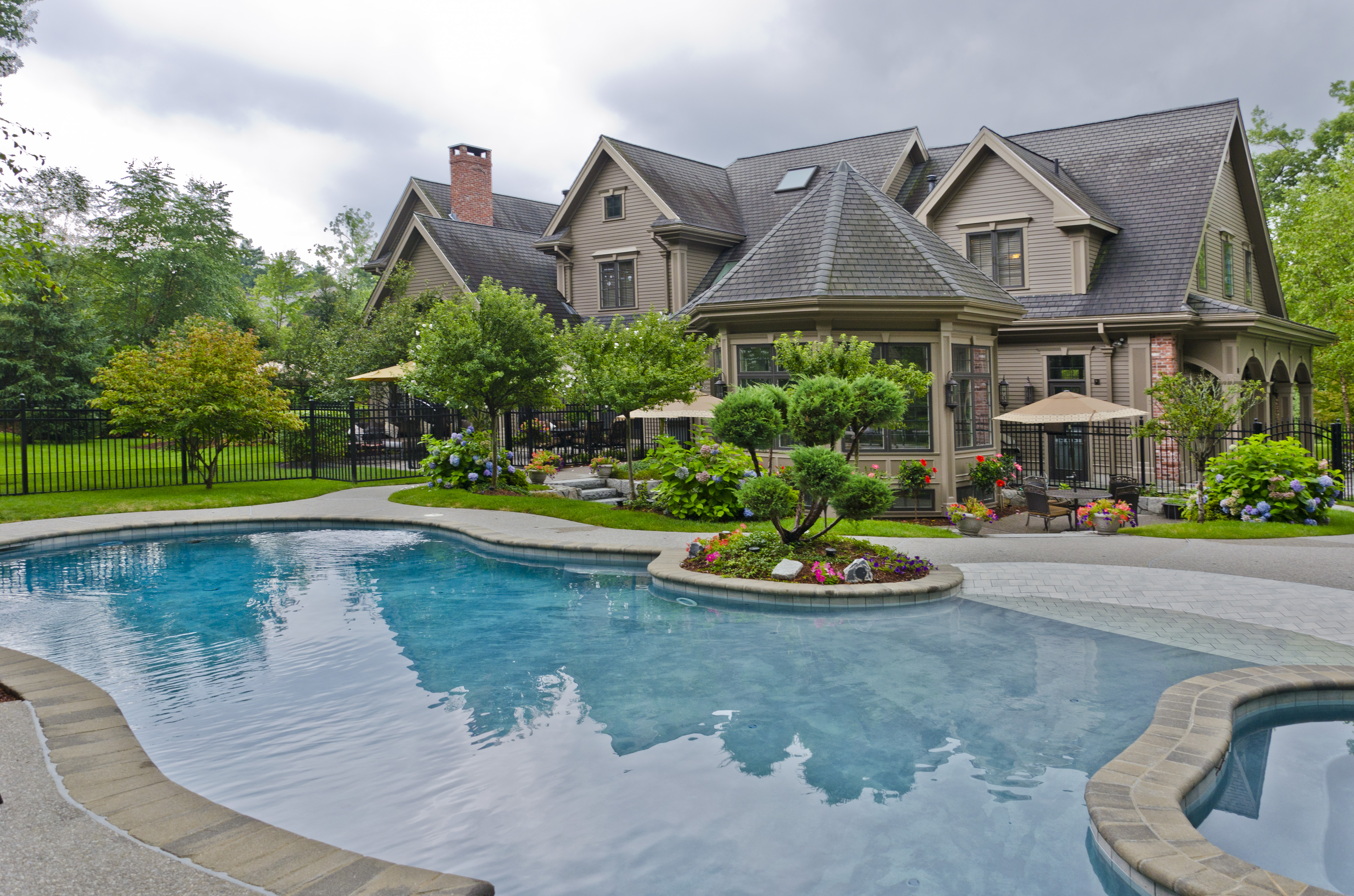 Luxury homes for sale in massachusetts with incredible for Pool and pool house